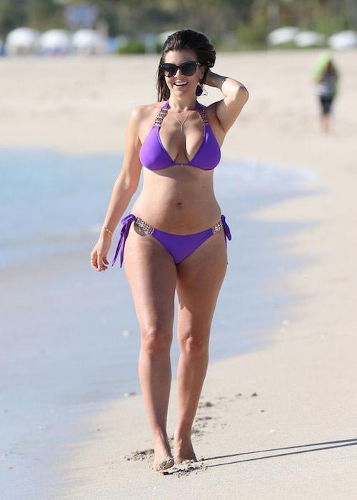 Imogen Thomas while spending April holidays in Miami