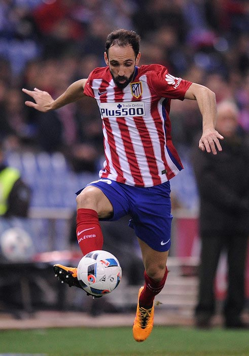 Juanfran with the ball during a Copa Del Rey Quarter Final match between Atletico Madrid and Celta de Vigo on January 27, 2016