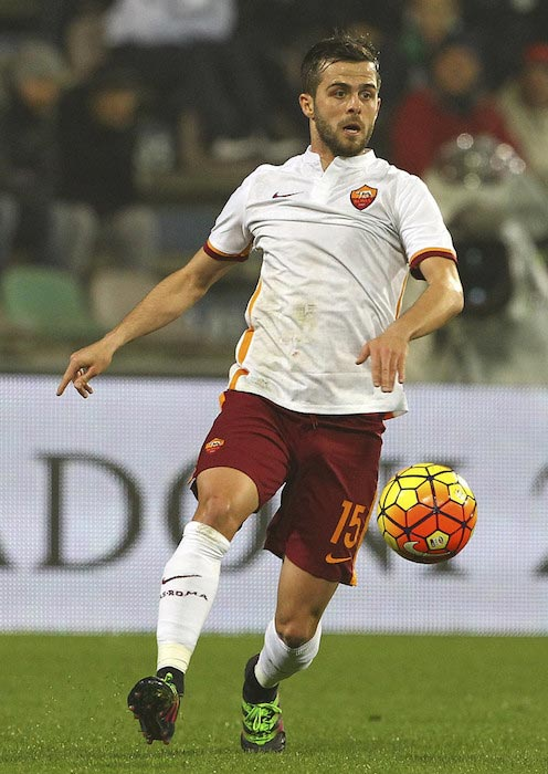 Miralem Pjanic during a Seria A match between US Sassuolo and AS Roma on February 2, 2016 in Reggio nell'Emilia, Italy