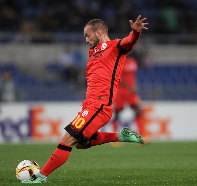 Wesley Sneijder trying to score during a UEFA Europa League match between Galatasaray and Lazio on February 25, 2016 in Rome, Italy