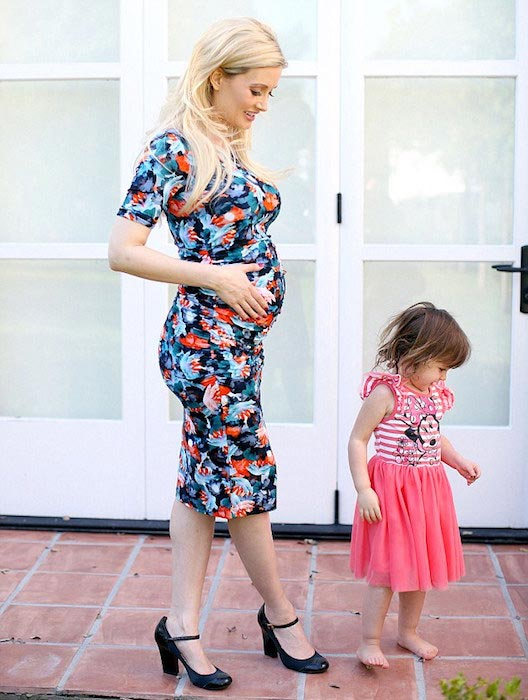 Holly Madison baby bump during her second pregnancy