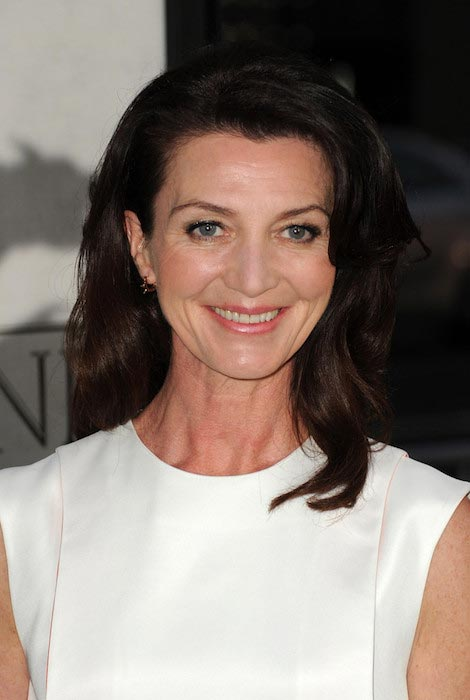 The 54-year old daughter of father George Fairley and mother Liz Fairley, 165 cm tall Michelle Fairley in 2018 photo