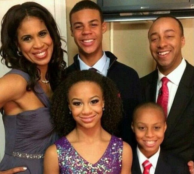 Nia Sioux Frazier with her family