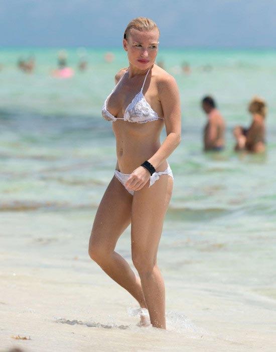 Tracy Anderson in bikini