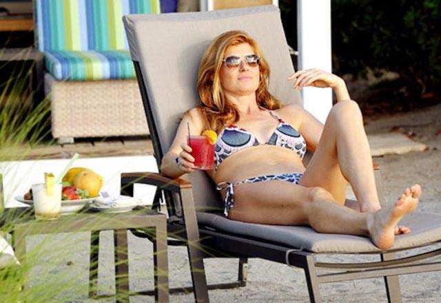 Connie Britton flaunts her perfectly shaped bikini body