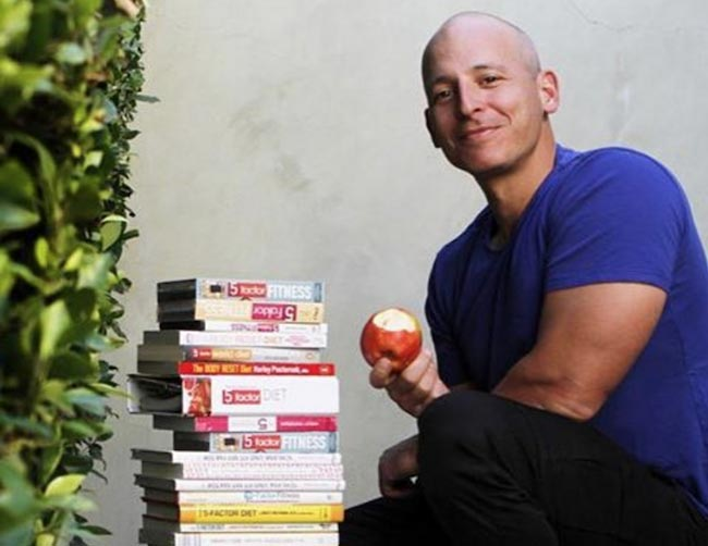 Harley Pasternak eating an apple