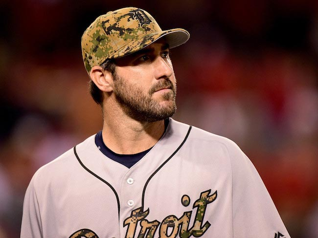 Justin Verlander looking concerned during a match against Los Angeles Angels on May 30, 2016 in Anaheim, California