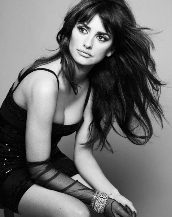 Penelope Cruz as MTV hot woman