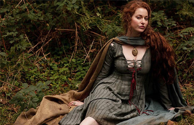 Ros played by Esme Bianco
