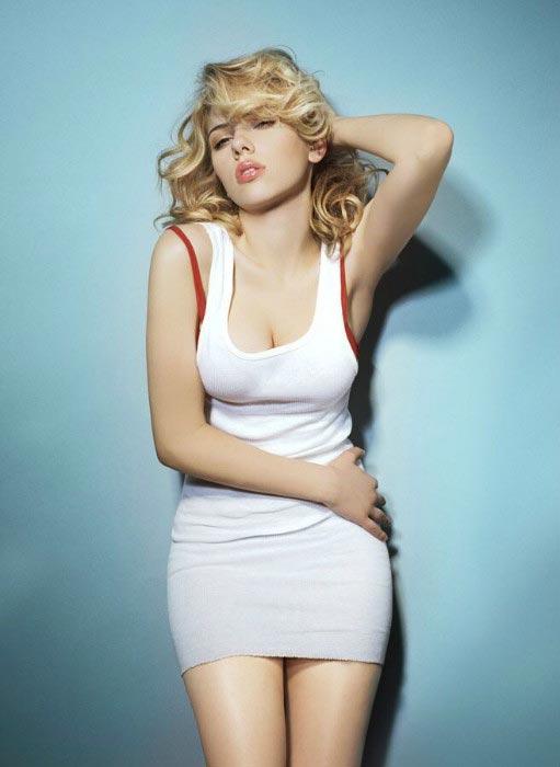 Scarlett Johansson as MTV hot woman