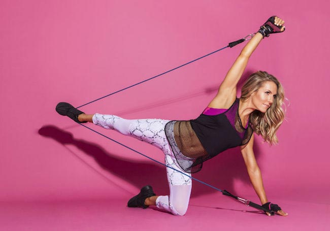 Anna Kaiser resistance band workout