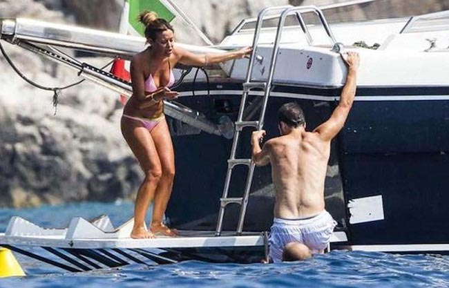 Gonzalo Higuain and Lucia Fabiani on a vacation