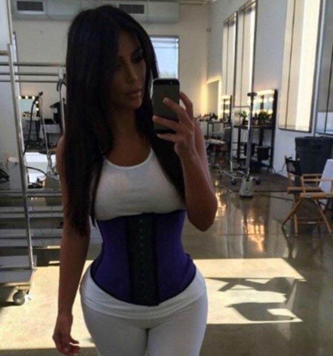 Kim Kardashian gym selfie