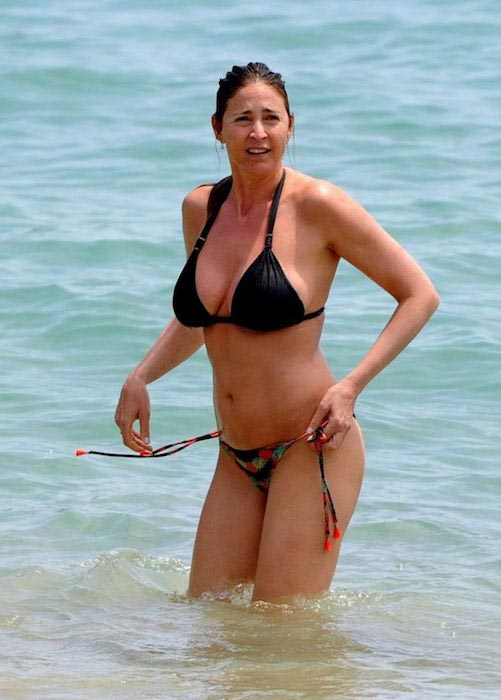 Lisa Snowdon in black bikini in 2016