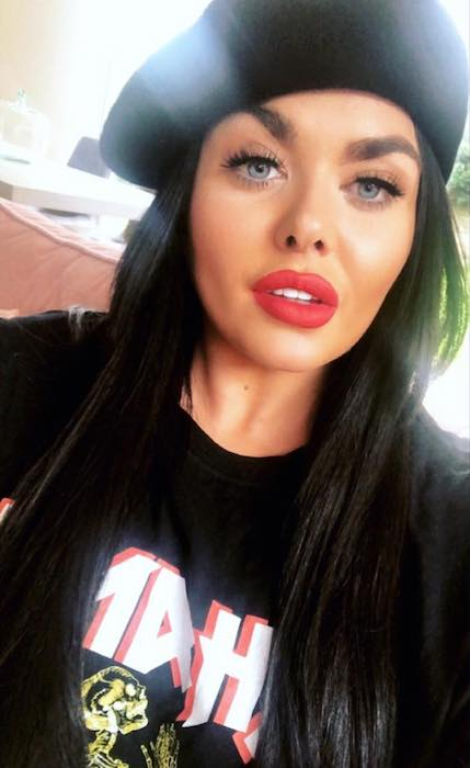 Scarlett Moffatt showing her gorgeous looks in a selfie in June 2018