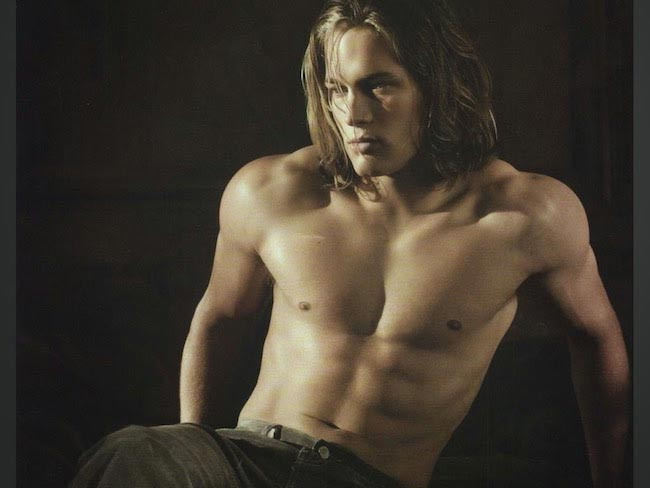 Travis Fimmel shirtless body