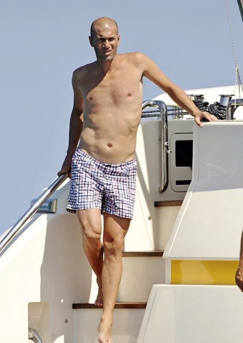 Zinedine Zidane shirtless body