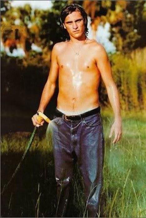 Joaquin Phoenix shirtless body
