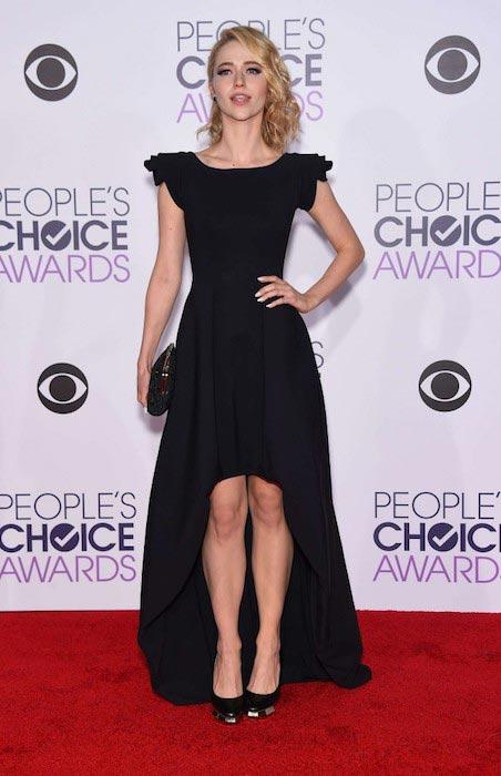 Johanna Braddy at People's Choice Awards 2016