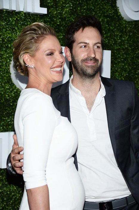 Katherine Heigl with Josh Kelley on red carpet in August 2016