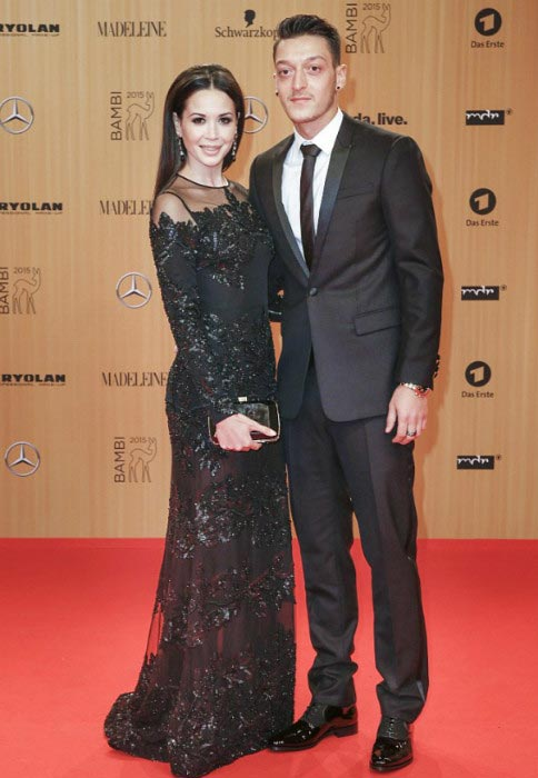 Mesut Özil and Mandy Grace Capristo on the red carpet at the Bambi Awards in November 2015