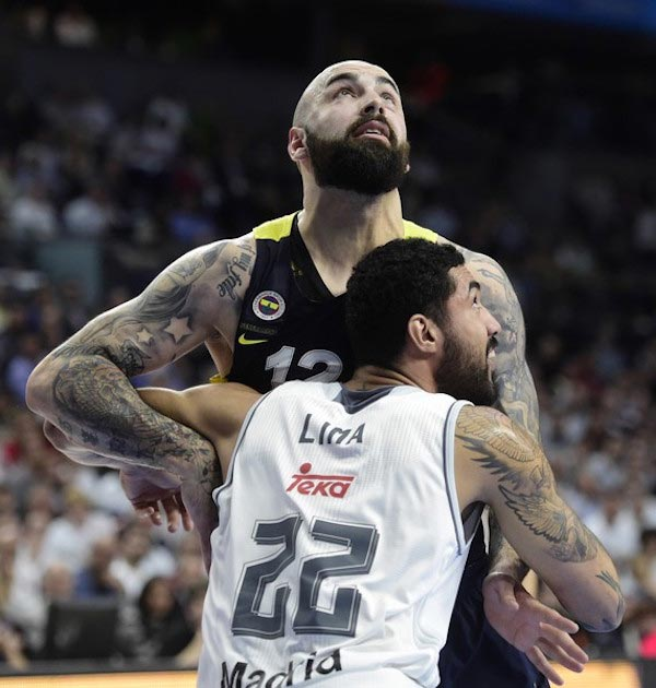 Pero Antic Lima of Real Madrid rebound between Fenerbahce and Real Madrid April 19, 2016