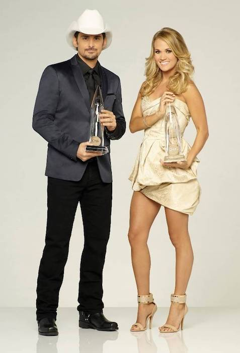 Brad Paisley and Carrie Underwood co-hosted the 2016 CMA Awards