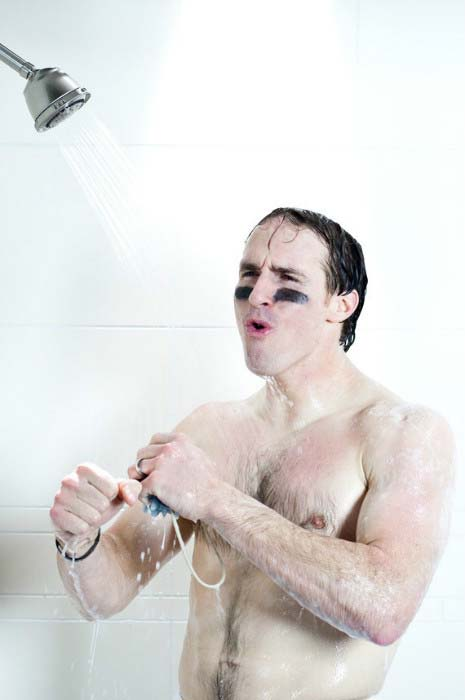 Drew Brees showers in a TV advert for Dove shampoo released in March 2011