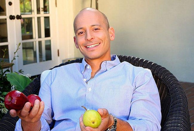 Harley Pasternak likes eating fruits