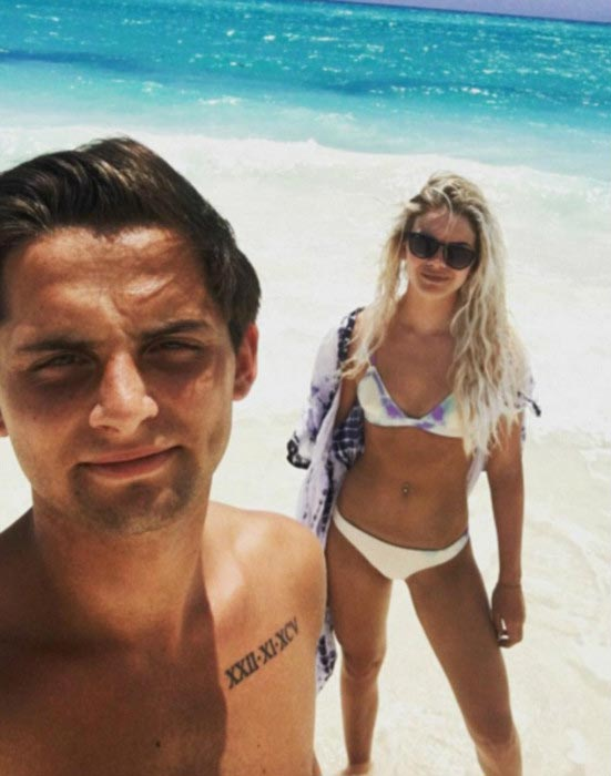 Louisa Johnson and her boyfriend Daniel Elliott on the Bahamas beach during vacations in July 2016