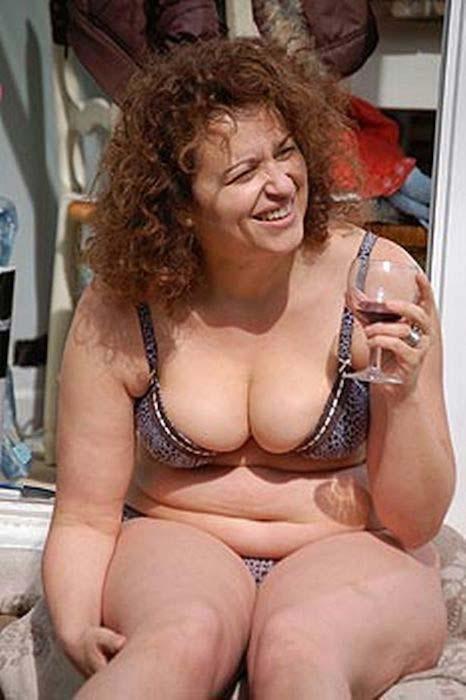 Nadia Sawalha fat with some extra pounds