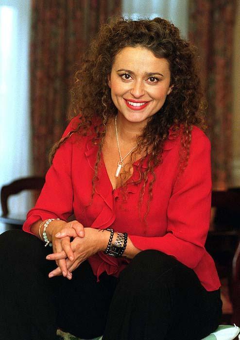 nadia sawalha - photo #17