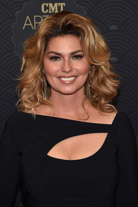 Shania Twain at CMT Artists of the Year 2016