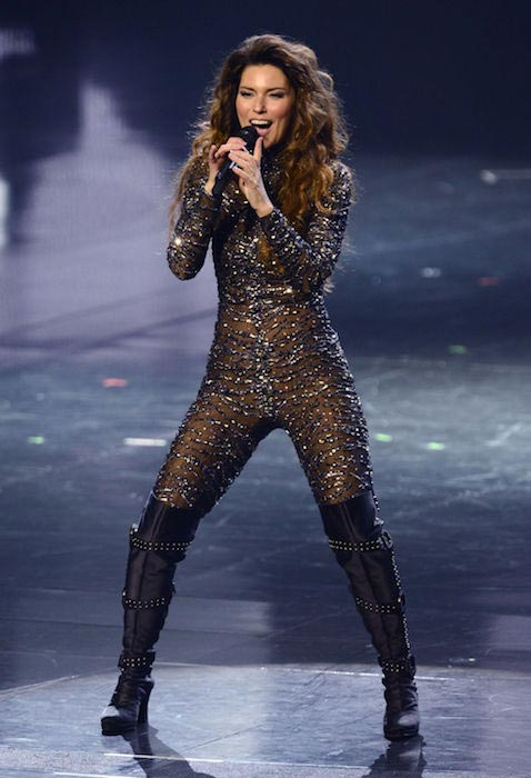 Shania Twain performing in Las Vegas in 2012