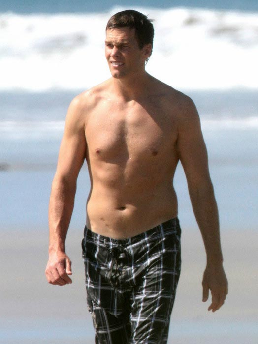 Tom Brady shows off his buff body on a beach in San Carlos, Costa Rica in March 2015