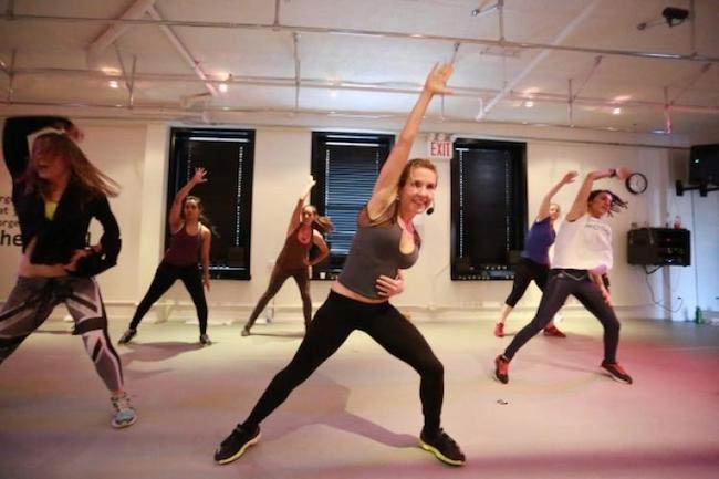 Anna Kaiser in a fitness class