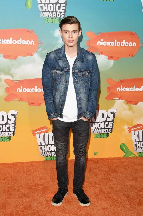 Benjamin Lasnier at the 2016 Nickelodeon's Kids' Choice Awards