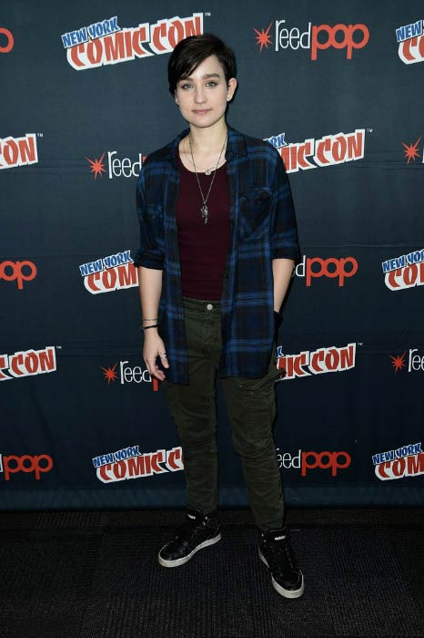 Bex Taylor-Klaus at the Voltron Legendary Defender signing in October 2016
