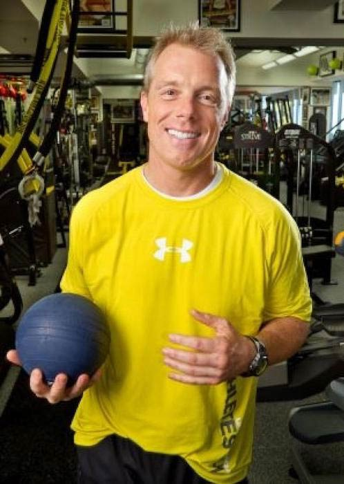 Celeb trainer Gunnar Peterson with an exercise ball