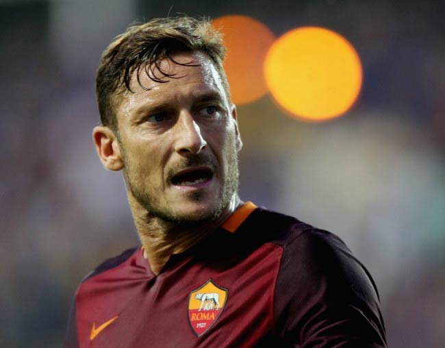 Francesco Totti in a Serie A match between Roma and Frosinone Calcio in September 2015