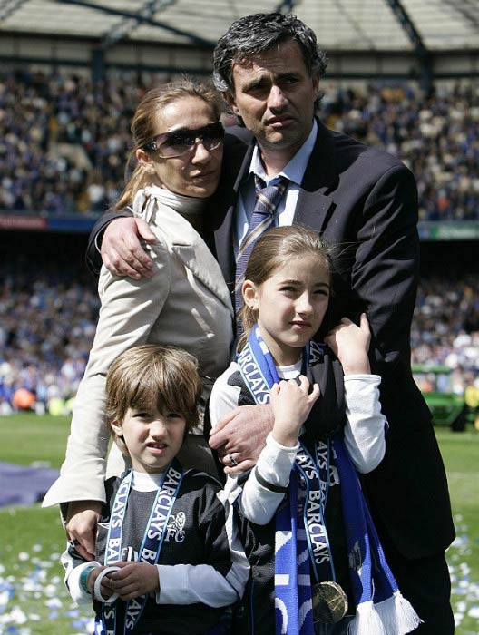 Jose Mourinho with his wife Tami and their children after winning league title in 2005