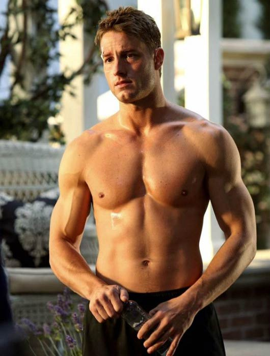Justin Hartley shirtless body in a still from TV series Revenge in 2013