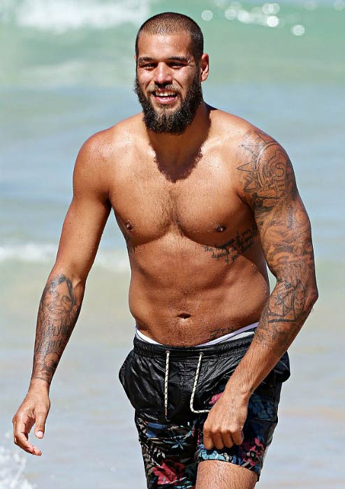 Lance Franklin shirtless at Bondi Beach in Sydney in March 2014
