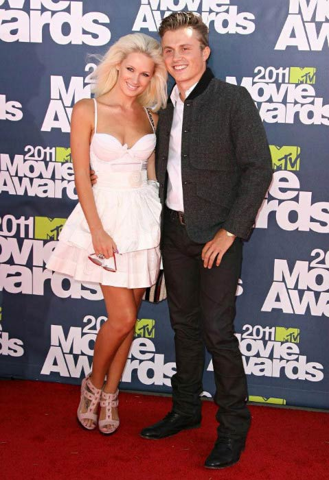 Lauren Bennett and Kevin Wormald at the MTV Movie Awards 2011