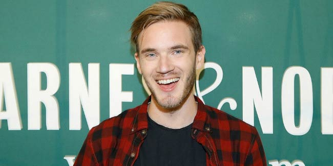 "PewDiePie at the signing event of his new book ""This Book Loves You"" in New York City in October 2015"
