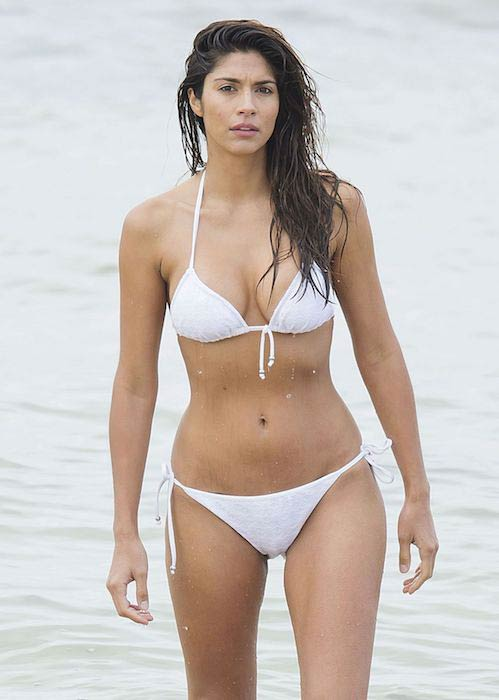 "Pia Miller bikini set ""Home and Away"" Sydney April 2016"