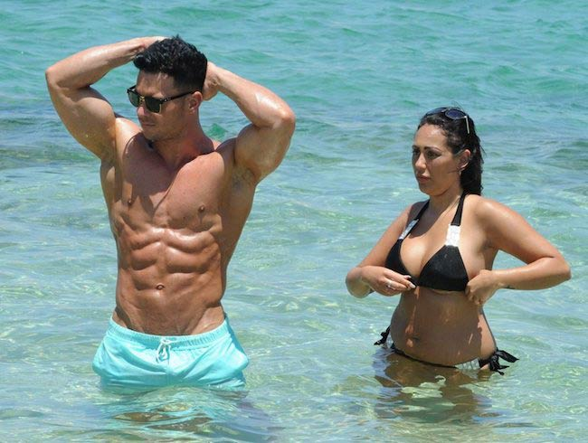 Sophie Kasaei shows off her impressive weight loss in new beach pics with Joel Corry