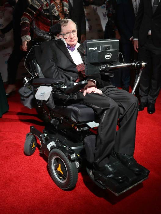 Stephen Hawking at the Pride Of Britain awards in October 2016