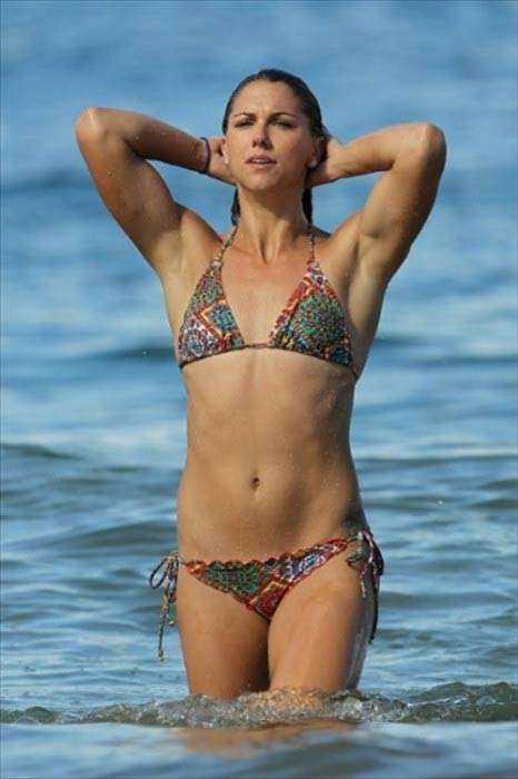 Alex Morgan on the Hawaii beach in December 2012
