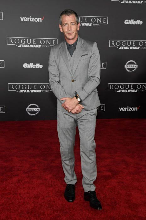 "Ben Mendelsohn at the ""Rogue One: A Star Wars Story"" premiere in December 2016"